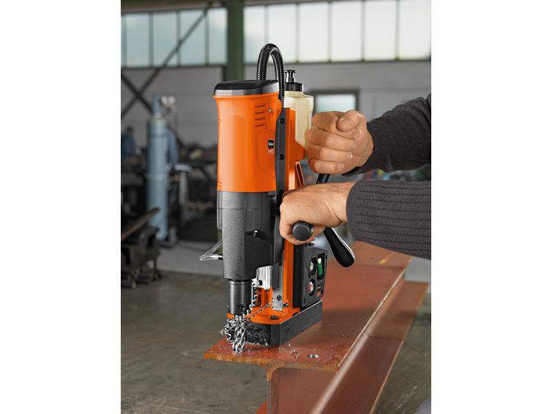 Magnetic base drilling - JME Holemaker III