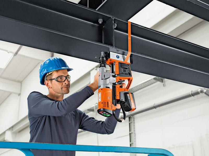 Mágnesállványos fúrógépek - AKBU 35 PMQ Select
