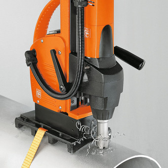 Pipe-drilling device