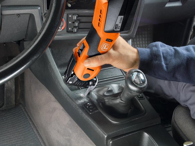 SuperCut Automotive - AFSC 1.7 Q – profesionálna súprava FEIN na výmenu autoskiel s akumulátorom