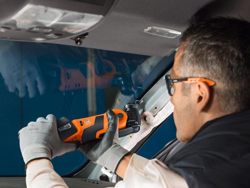 SuperCut Automotive - AFSC 1.7 Q - Otomobil camları için FEINprofesyonel seti, akülü