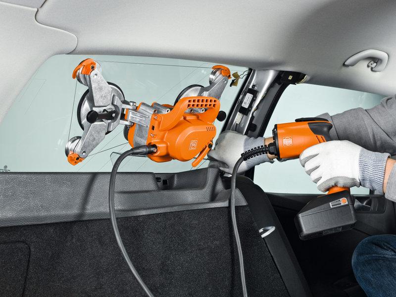 Выемка стекол в автомобилях - SuperWire
